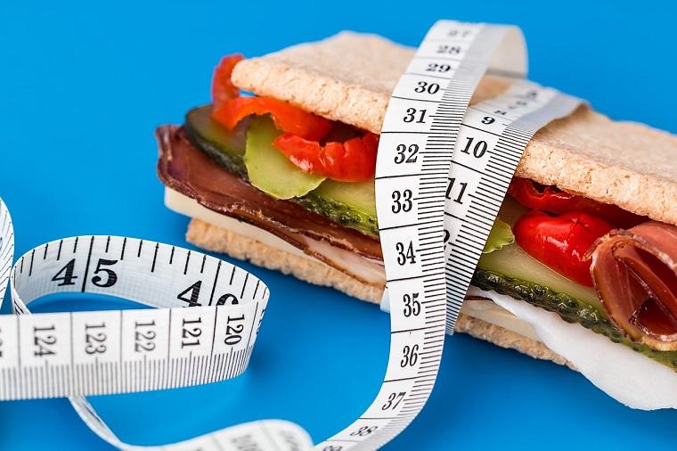 燃烧多少卡路里才能减掉100克体重?