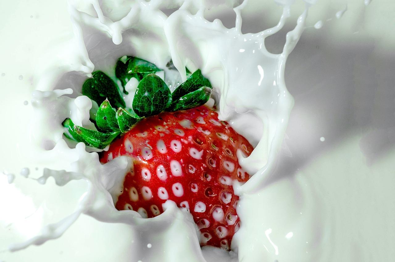 健康的甜点食谱:3种美味的水果和冻酸奶食谱