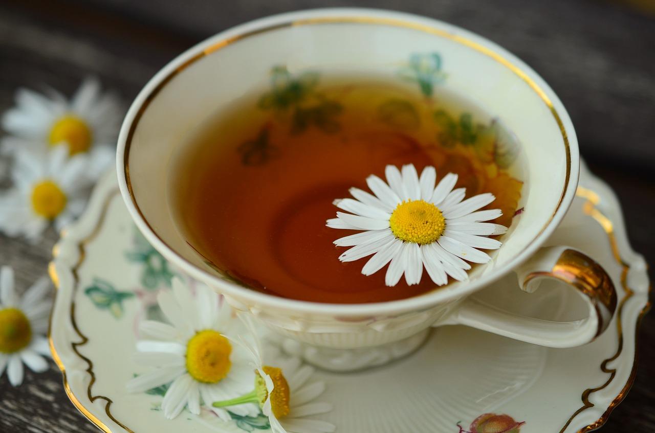 睡前喝什么样的茶可以帮助你睡得更好?