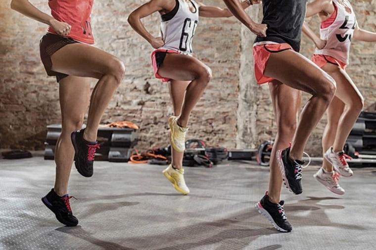 根据《科学》杂志的说法,10种最能燃烧卡路里的锻炼方式
