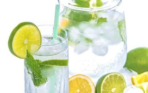 喝冰水会燃烧更多的卡路里吗?