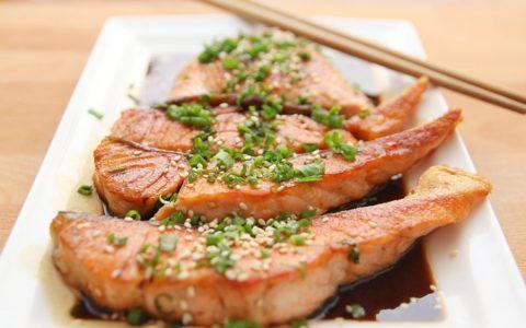 每天吃三文鱼健康吗?