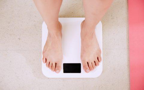 什么时候称体重最好?