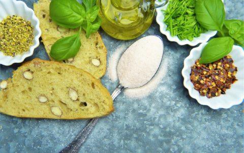 营养酵母对每个人都有好处吗?