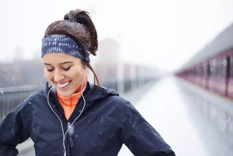 寒冷天气跑步如何穿衣服更保暖?