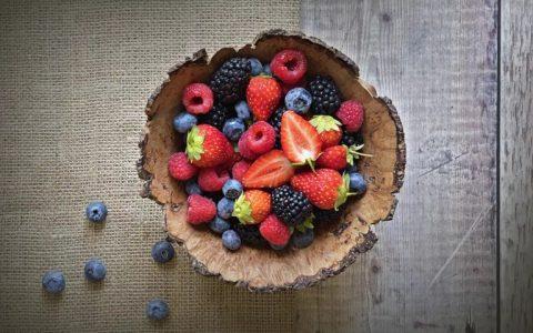 有哪些食物能帮助预防感冒和流感?