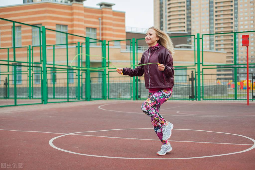 跳绳会伤害关节吗?注意这6点,不仅促进身体燃脂,还能强身健体