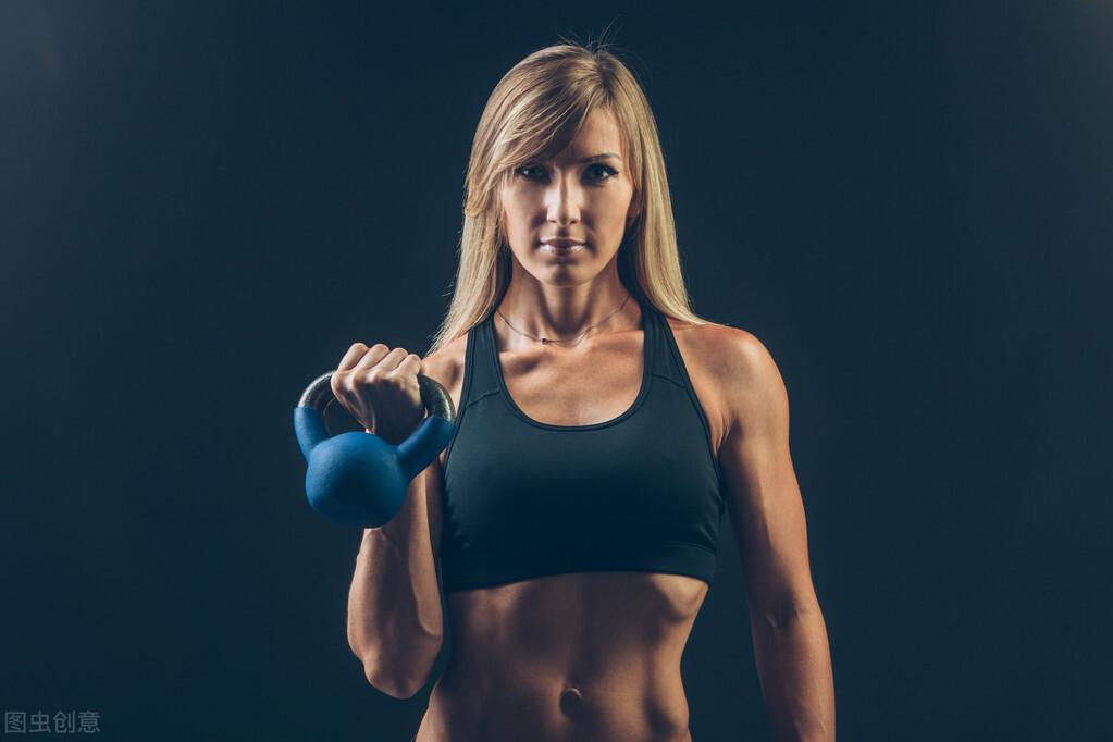 坚持健身,对一个人的改变有多大?一组对比照告诉你