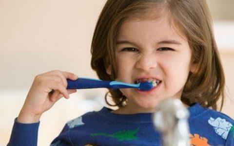每天多刷一次牙能预防心血管病!