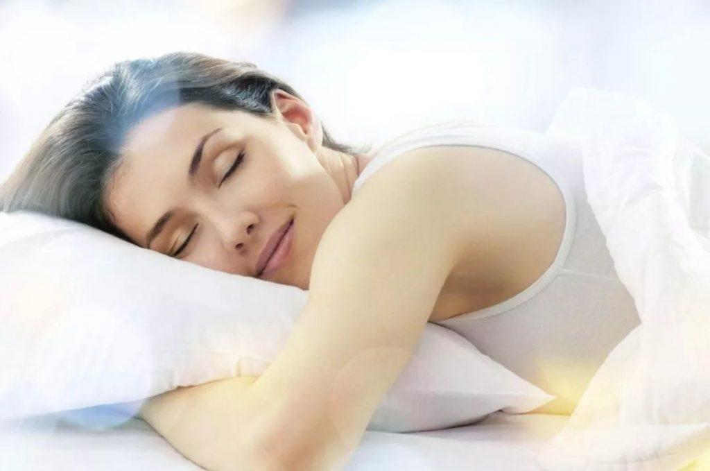 什么姿势睡觉最健康?