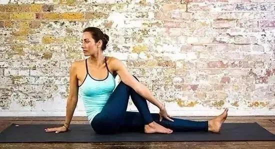 """个最适合吃货的瑜伽动作,肠胃不好的尤其要多练"""""""